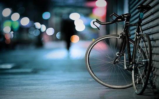 Polkupyörä on joskus kuljetettava junassa, että pääsee pidemmälle.