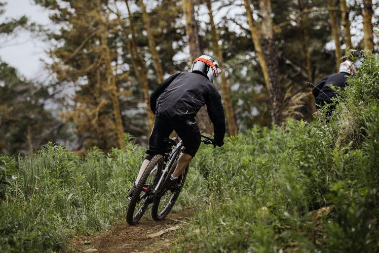 Maastopyöräily tuo vauhtia ja ajovarmuutta